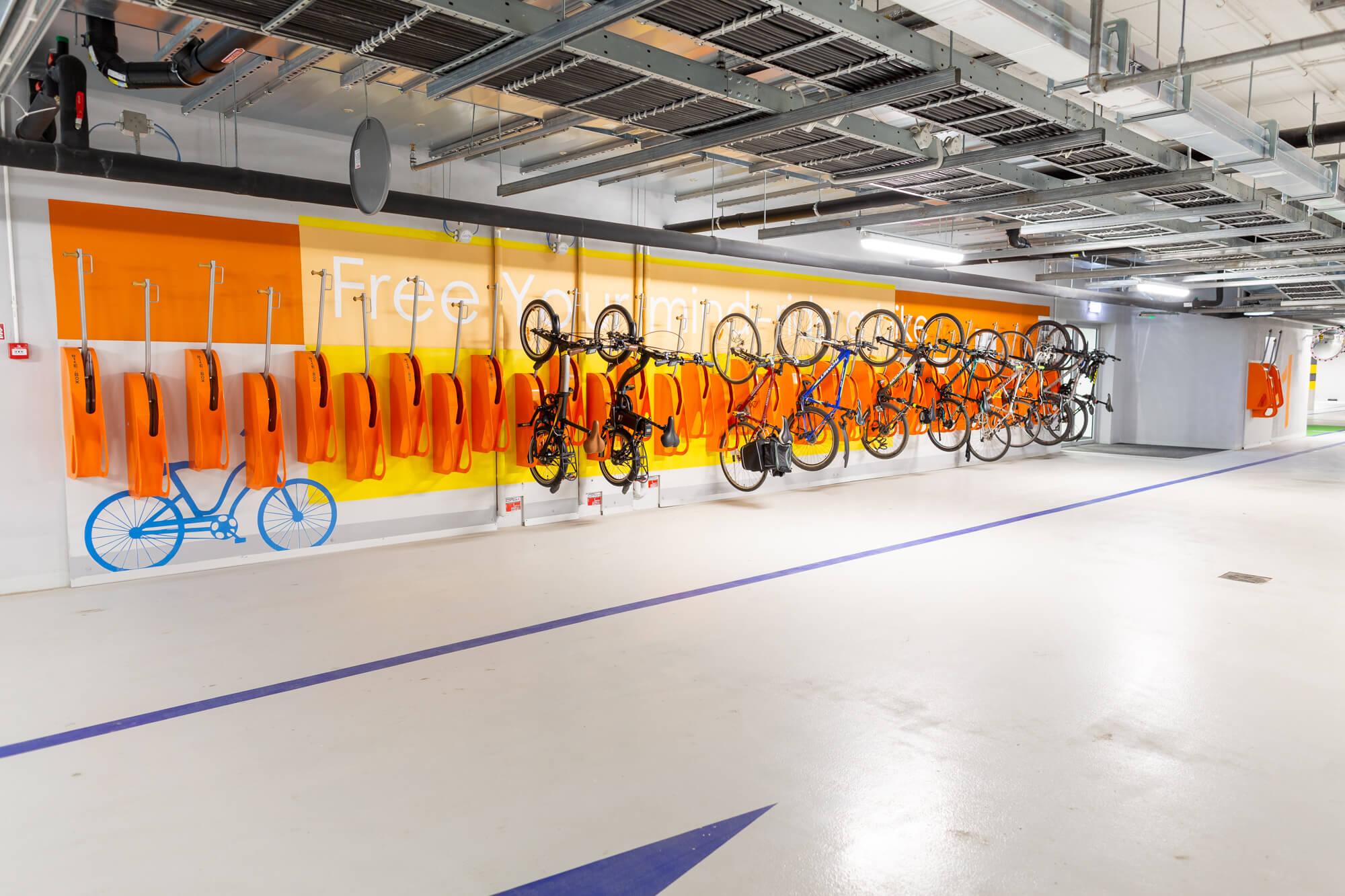 Bike2Box.com - Producent stojaków i wieszaków rowerowych
