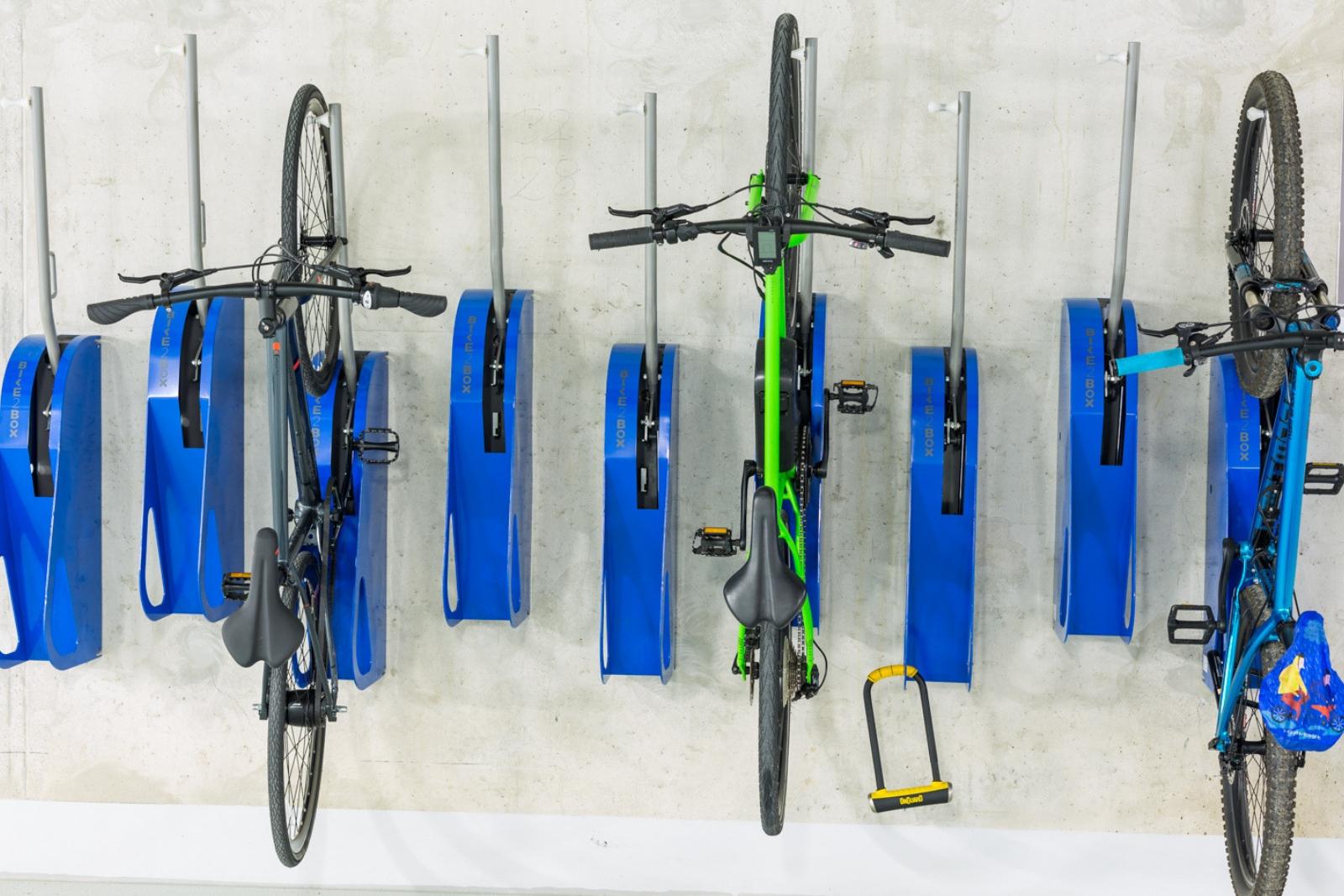 Wieszaki rowerowe ścienne